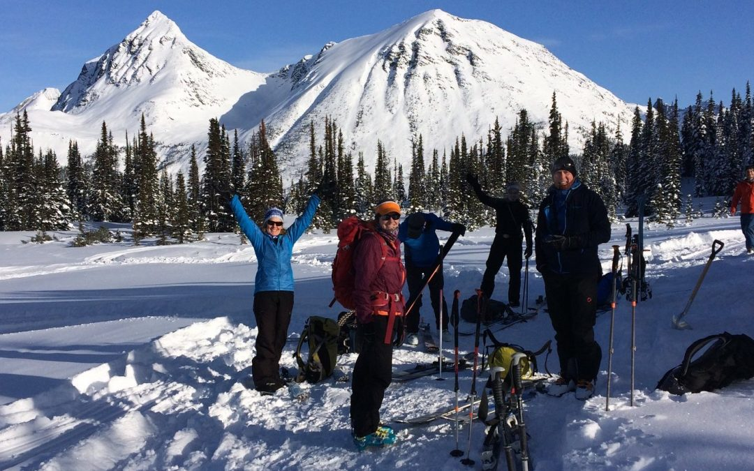 4 Reasons To Buyout This BC Backcountry ⛷ Lodge For Guys/Girls Trip